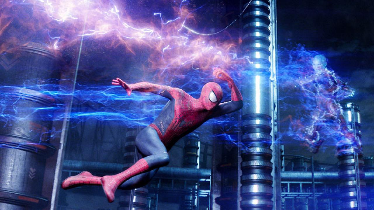 amazing-spiderman-2-promotional-photo-with-electro